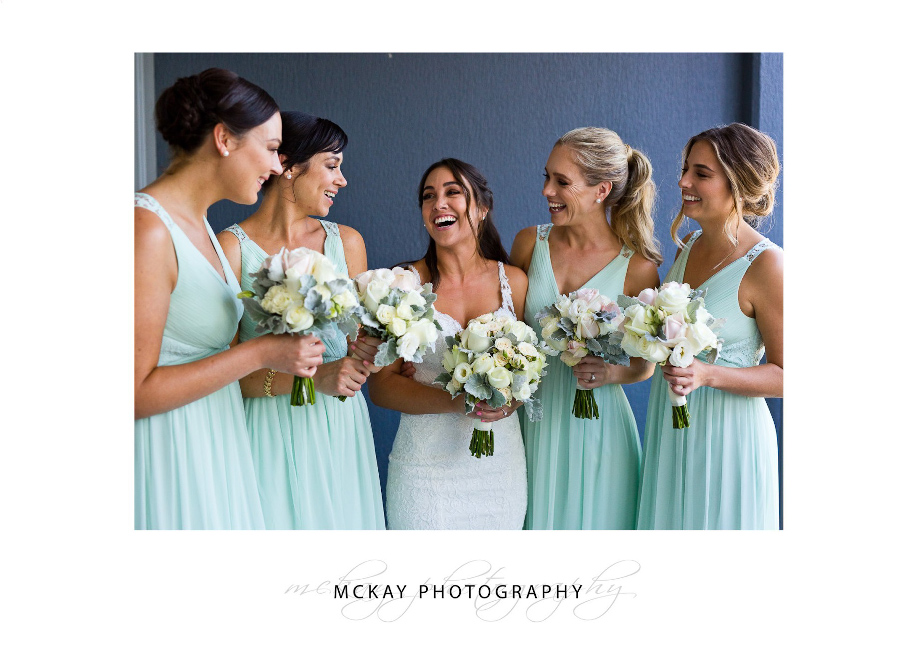 Bride & bridesmaids preparation photos