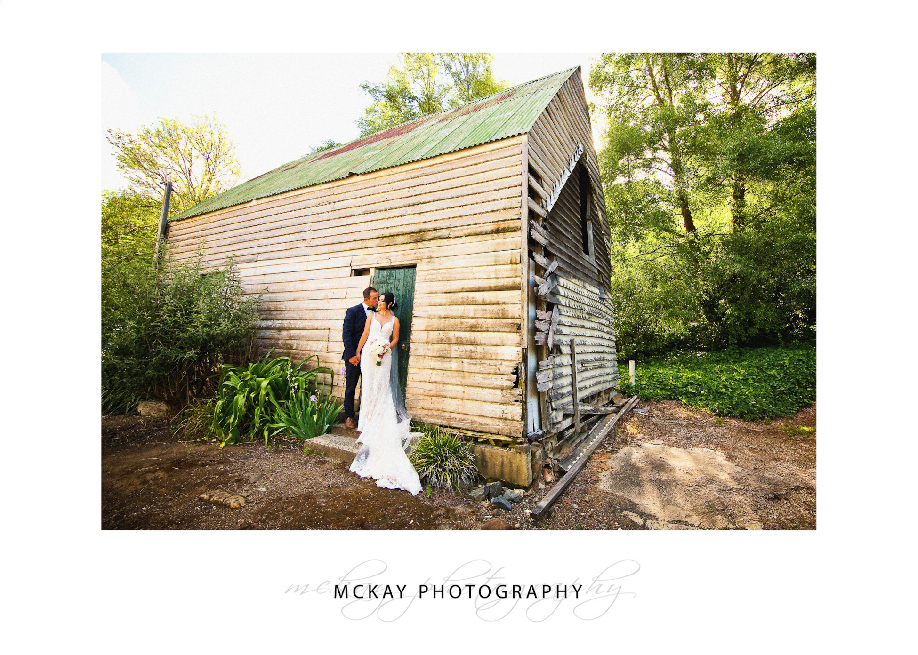 Amanda & Shane old barn wedding at Peppers Craigieburn Bowral